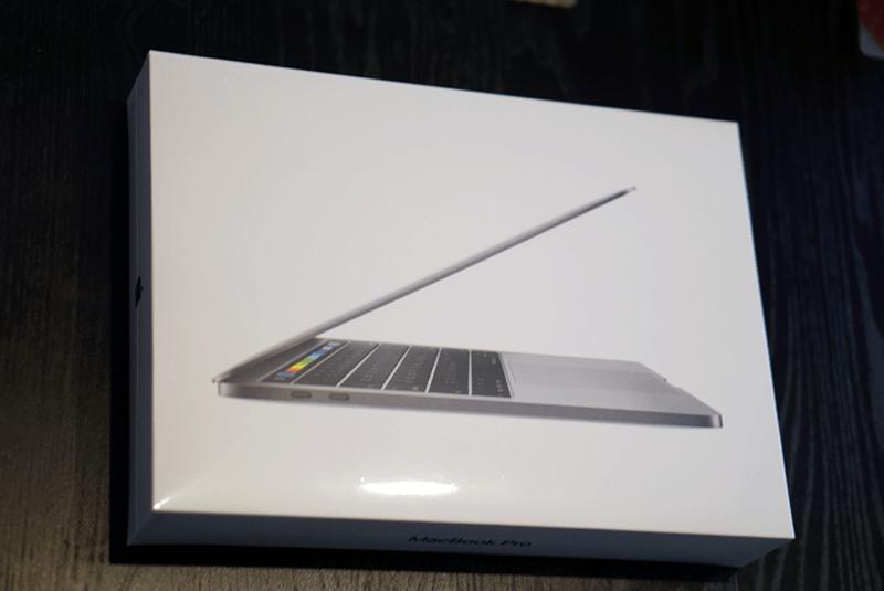 MacBook Pro 新品外装