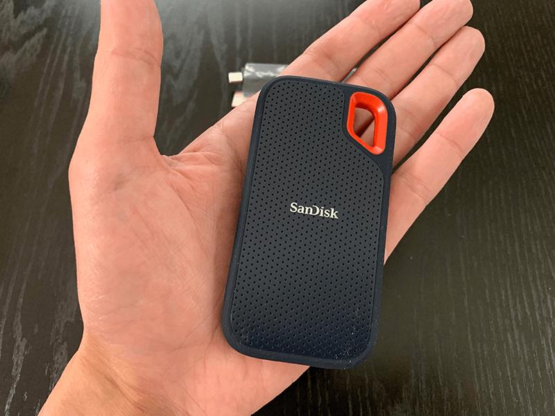 SanDisk サンディスク エクストリーム ポータブル SSD本体大きさ
