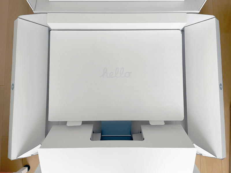 iMac2021年版(M1チップ)外箱を開いたところ